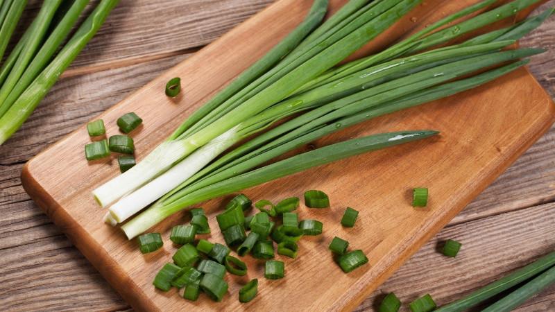Резаный зеленый лук